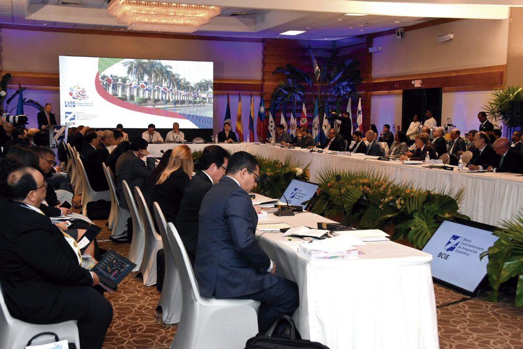 Dependencias del Ministerio de Hacienda presentan su Planificación Estratégica Institucional