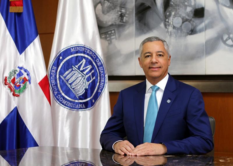 Escogen al Ministro de Hacienda de República Dominicana entre los tres primeros de américa latina