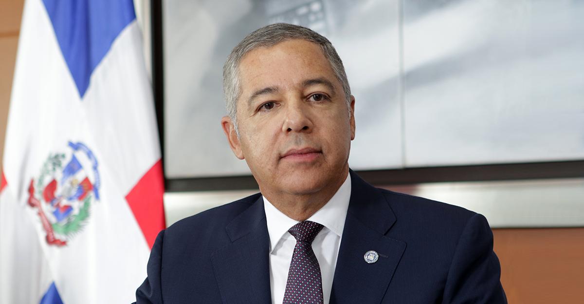 Ministro de Hacienda califica