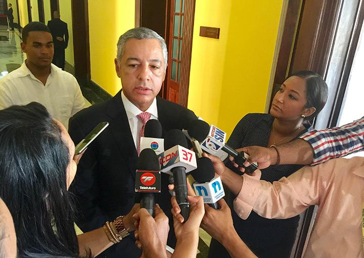 El Ministro de Hacienda, Donald Guerrero
