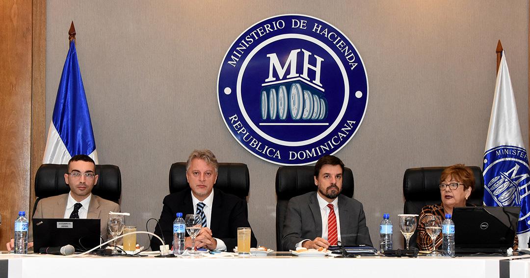 Ministerio de Hacienda encabeza reunión para discutir el gasto público en salud