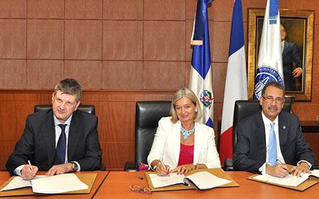 Agencia Francesa de Desarrollo otorga préstamo 210 MM de dólares para ordenamiento y movilidad urbana de Santo Domingo Este