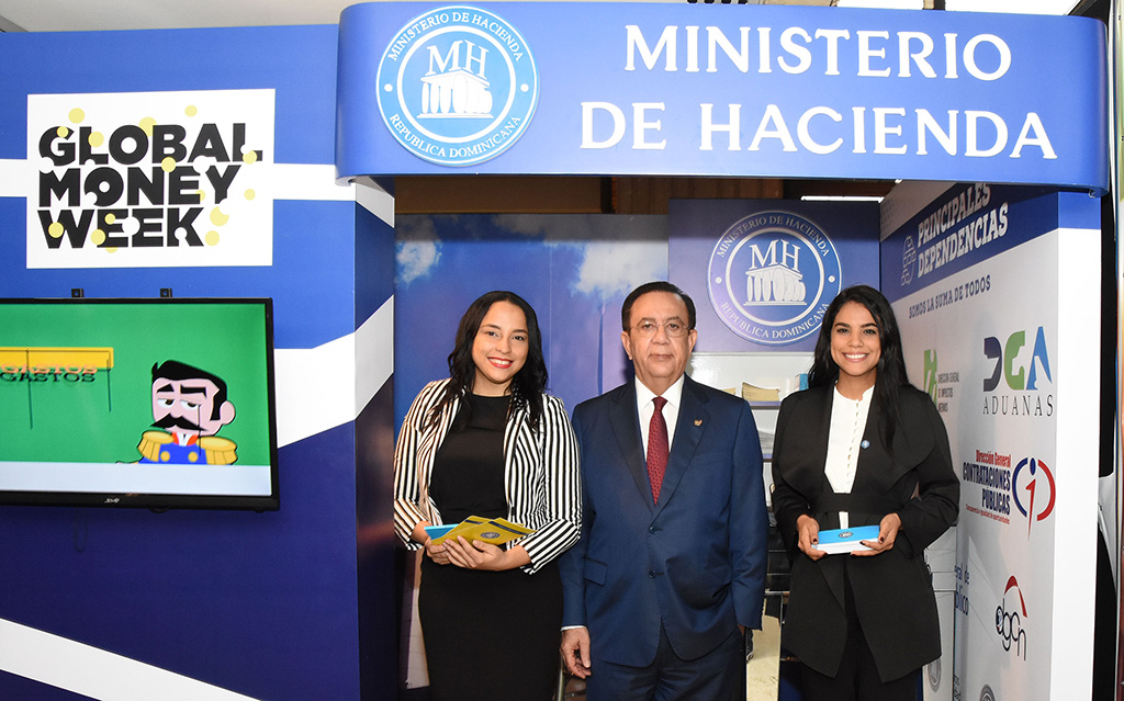 arlos Sánchez vuelve a contar con un estilo singular qué es el Ministerio de Hacienda