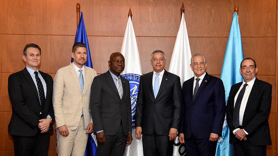 Ministro de Hacienda se reúne con el presidente del FIDA