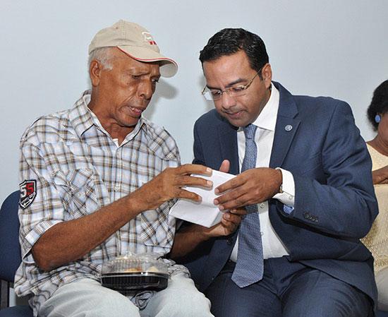 Pensiones agasaja a pensionados en el Día Internacional del Envejeciente