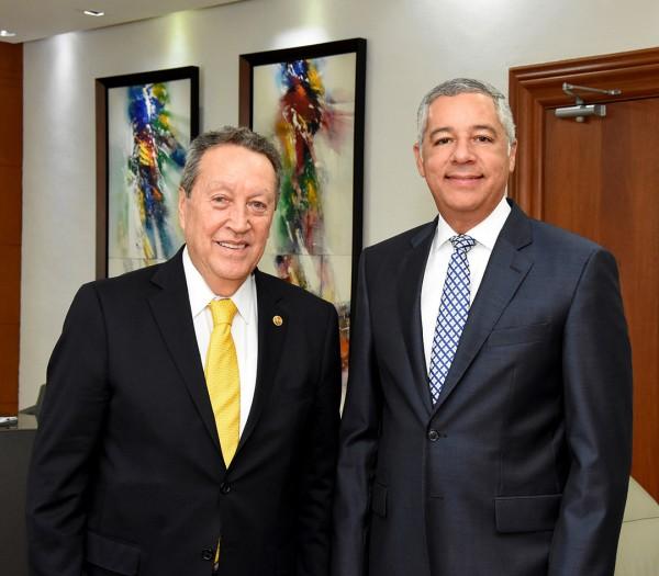 El ministro de Hacienda, Donald Guerrero Ortiz, recibió en su despacho la visita del Secretario General del Sistema de la Integración Centroamericana (SICA)