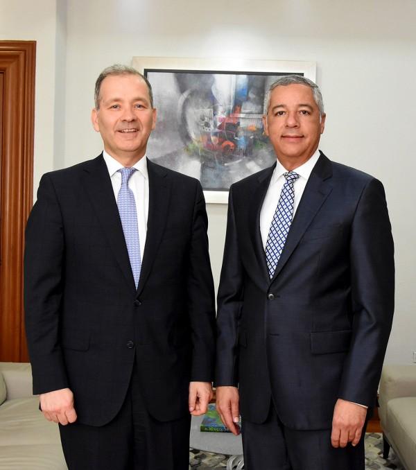 Ministro de Hacienda recibe al nuevo representante del BID en el país