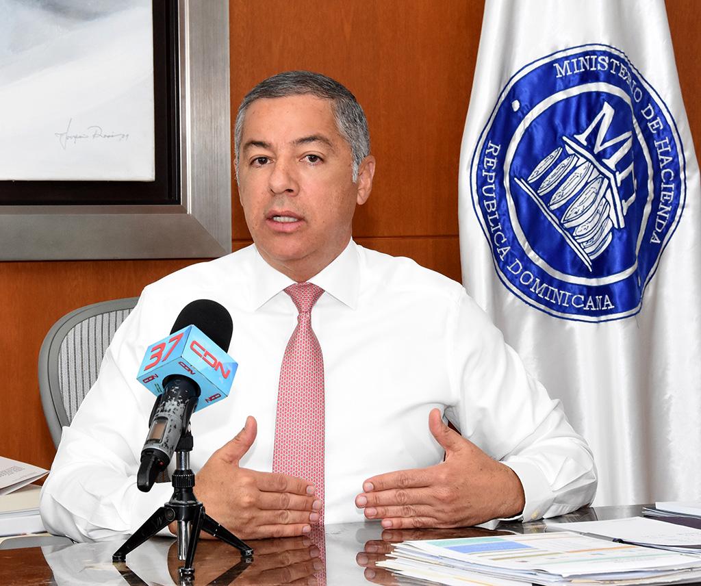 El ministro de Hacienda, Donald Guerrero Ortiz, afirmó ayer que las autoridades han asumido el firme compromiso de fortalecer la capacidad