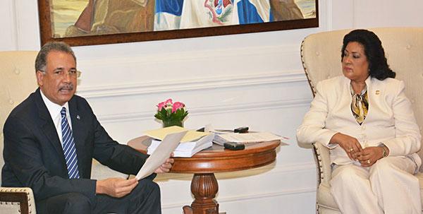 Poder Ejecutivo entrega al Congreso de la República el anteproyecto de Presupuesto para el 2016