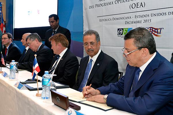 Aduanas de RD y EEUU firman acuerdo de intercambio Comercial y contra terrorismo
