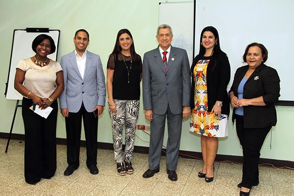 Imparten curso introductorio a la Hacienda pública