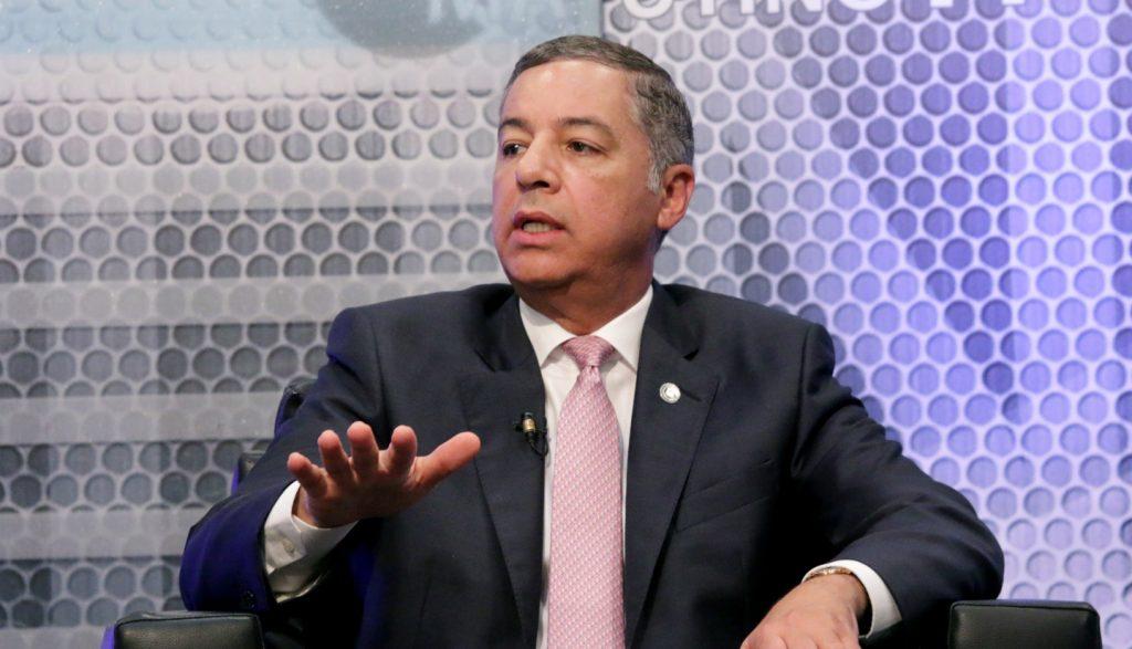 El ministro de Hacienda, Donald Guerrero Ortiz, en el programa Telematutino 11, que se difunde por Telesistema.