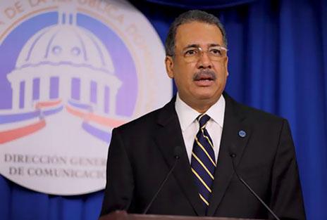 Ministro de Hacienda da a conocer los detalles del Presupuesto General del Estado para el año 2015
