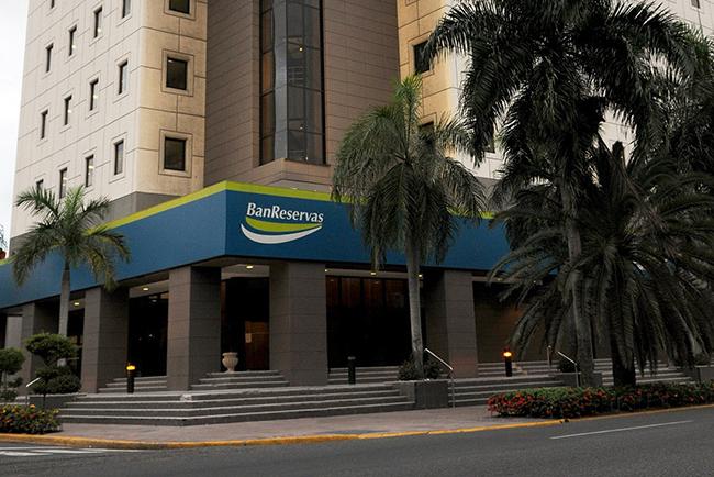 Banreservas y Tesorería Nacional firman acuerdo de servicios financieros