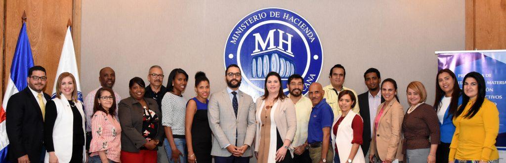 ministerio de hacienda ofrece taller