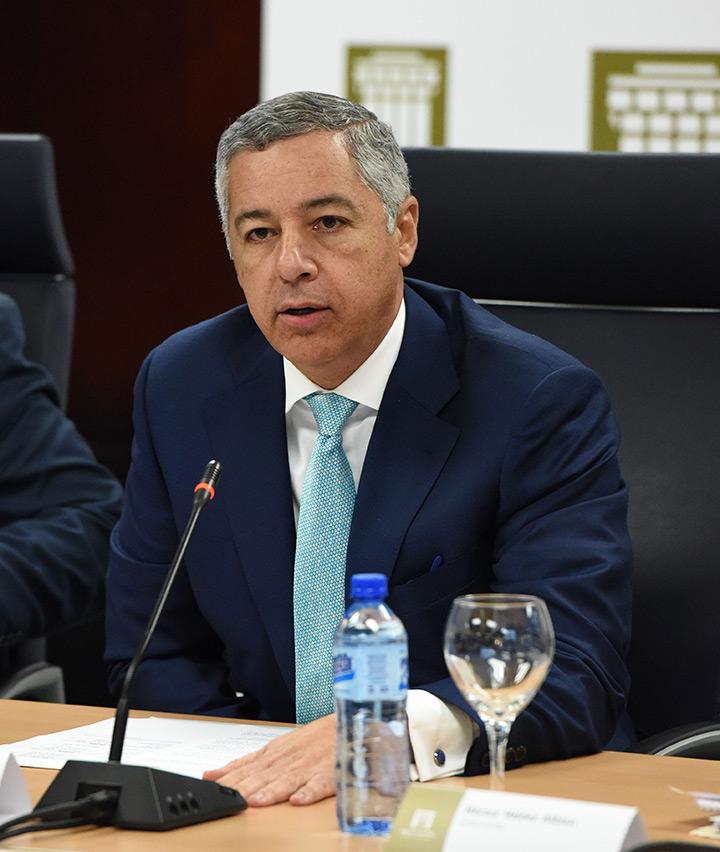 """Ministro de Hacienda: """"aumento a policías se hará en febrero y retroactivo"""""""
