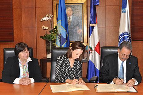 Ministerio de Hacienda y el BID firman acuerdo de préstamo por US$78.0 millones para apoyar sector eléctrico