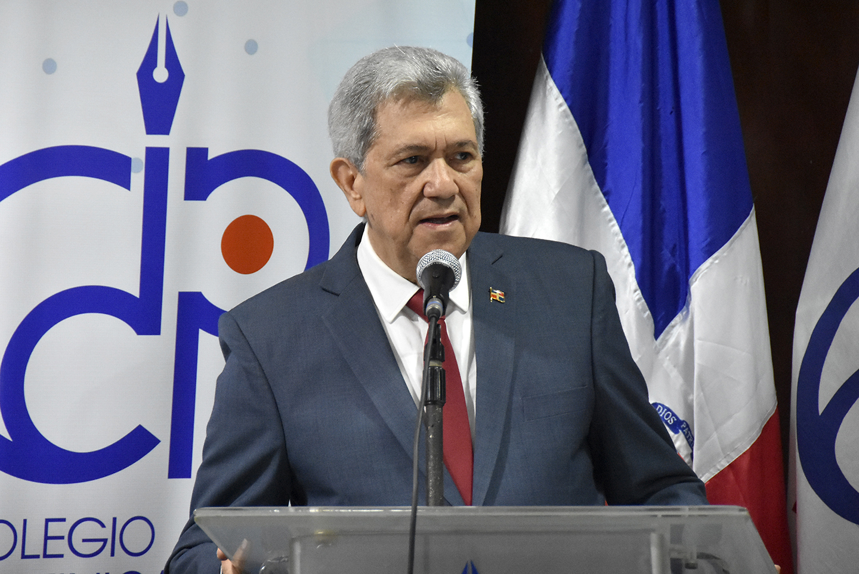 Foto director del Centro de Capacitación en Política y Gestión Fiscal