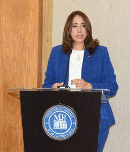 Directora de Bienes y Servicios del Ministerio de Hacienda.