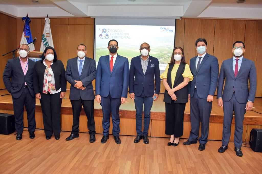 En el lanzamiento del Fondo de Cohesión Territorial participó el ministro de Economía, Planificación y Desarrollo, Juan Ariel Jiménez, junto a los representantes de las instituciones que conforman el Comité Interinstitucional.