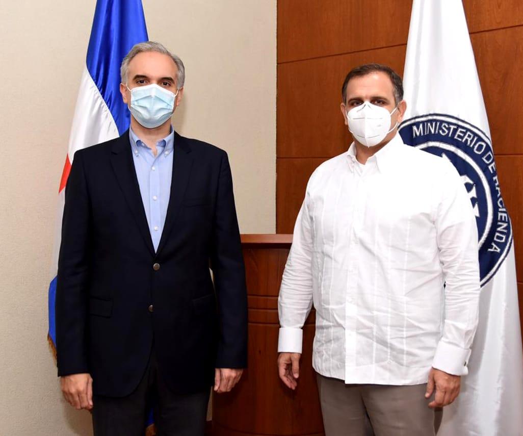 Luis Miguel De Camps, ministro de Trabajo, y Jochi Vicente, ministro de Hacienda.