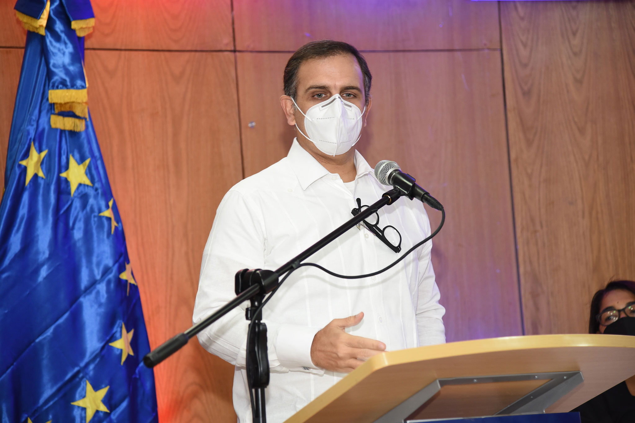 Ministro de Hacienda Jochy Vicente