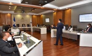 El asesor del ministerio para la ejecución y gestión, Leonel Díaz, explicó los objetivos del programa.